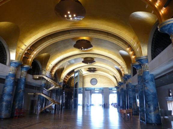 Starship Titanic? No Hotel lobby!