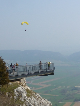 The sky walk, famous for tourist and climbers alike. A bit disturbing the nice landscape, though