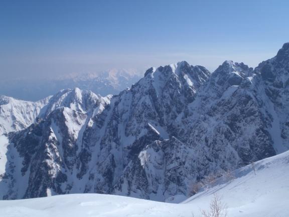 View onto the middle part of the Komado ridge