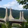 P1020462.JPG -- View onto the impressive bridge from above