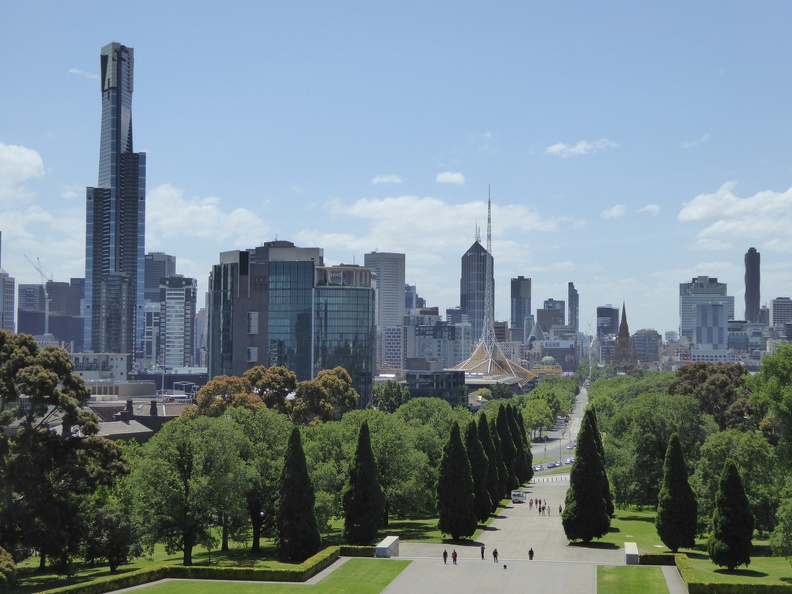 View onto Melbourne center from the Shrine of Remembrance