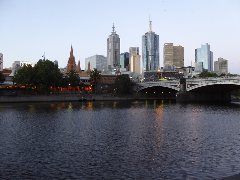 Late afternoon at the Yarra River