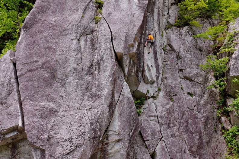 Fighting in Jouzu (ジョーズ, 5.10d or more)
