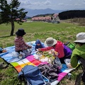 2017-04-22 13.06.41.jpg -- Picnic at the pastures over Ono, Fukui