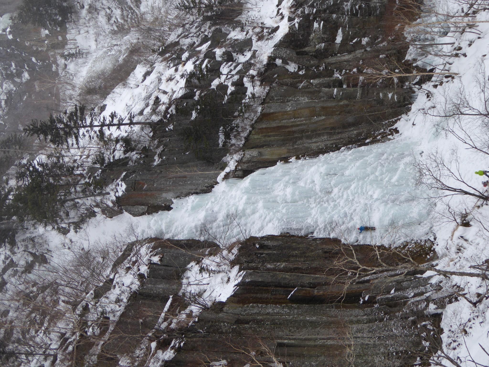 アイスクライミング 北海道・層雲峡・錦糸滝 (Iceclimbing Hokkaido, Sounkyo, Kinshi Fall)