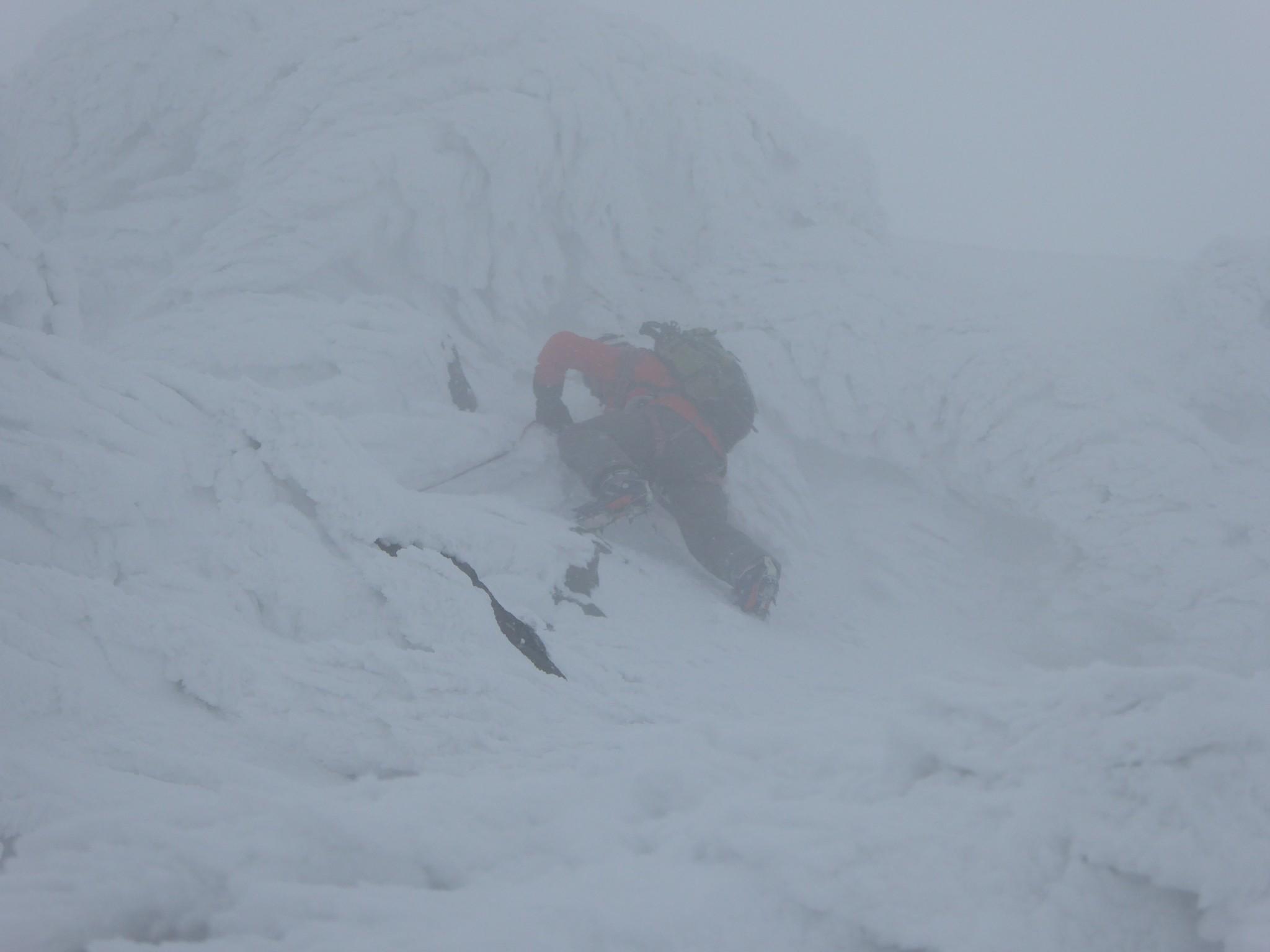 ウインター・クライミング 上ホロカメットク山北西稜 (Winter climbing NW-ridge of Kamihorokamettoku)