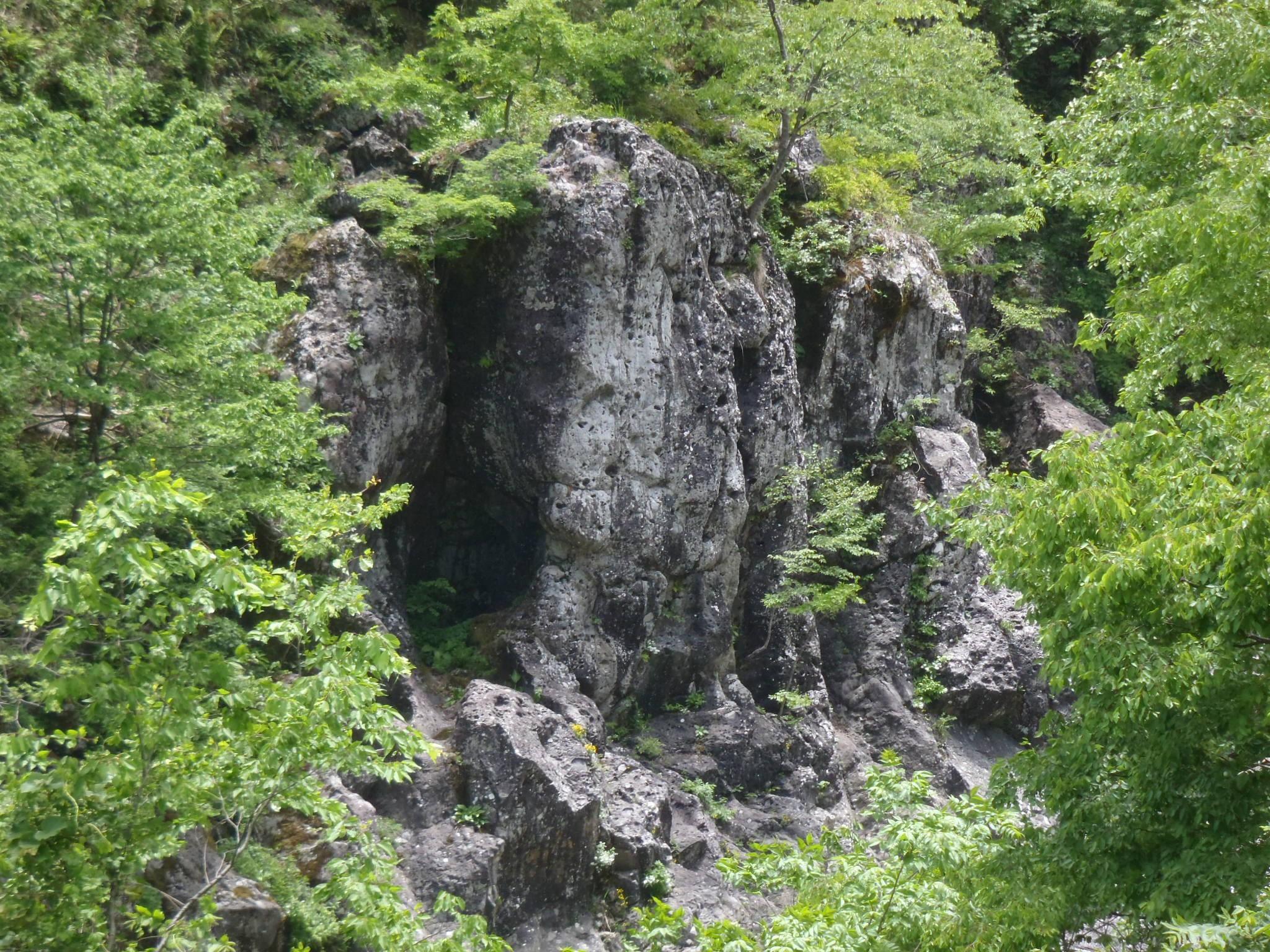 クライミング 白山市女原の岩場 (+トポ)